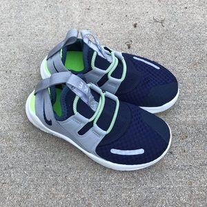 🆕KIDS Nike sneakers, NWOT.